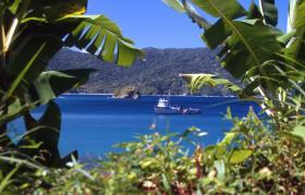 Bild: Tobago - Flagstaff Hill & Pirates Bay