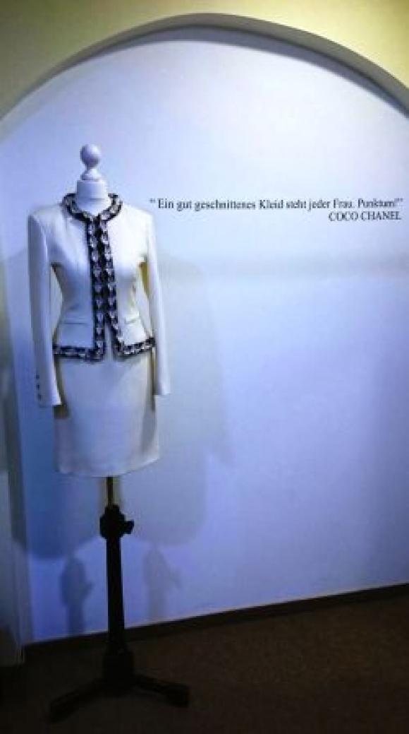 Chanel Kostüm
