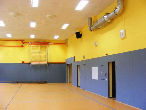 Malerarbeiten in der Sporthalle Gersdorf